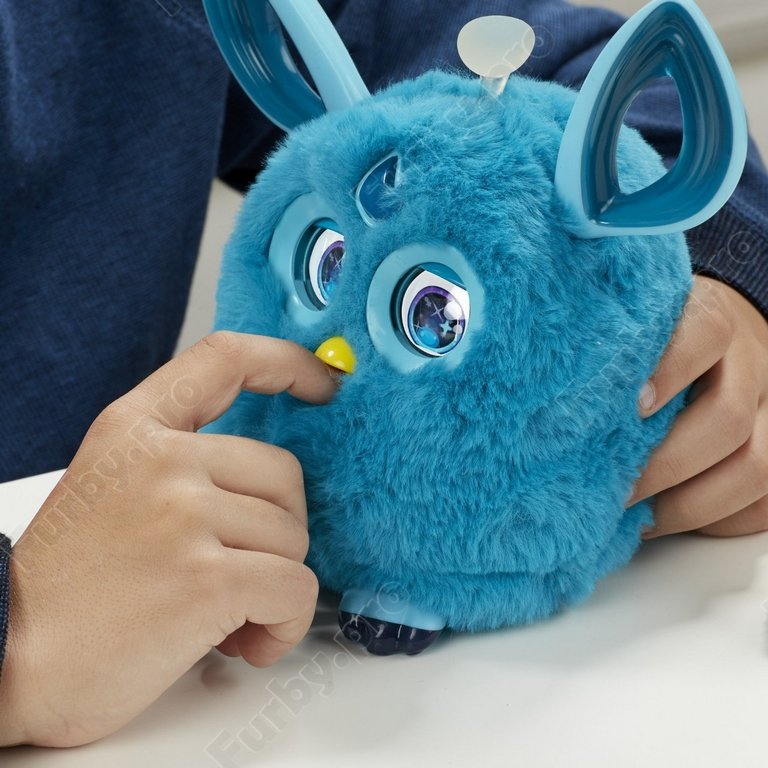 http://furby.pro/images/upload/FURBY%20CONNECT%20TEAL7.jpg
